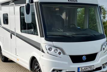 Hire a motorhome in Stuttgart from private owners| Knaus Willi