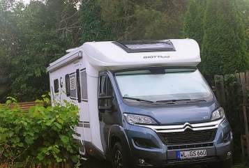 Hire a motorhome in Winsen from private owners| Goittiline  Giulia