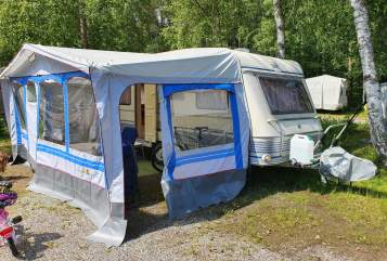 Hire a motorhome in Denzlingen from private owners| TEC Smaragd20