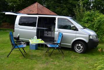 Hire a motorhome in Bielefeld from private owners| VW T5  Le Bulli 3