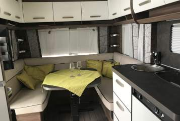 Hire a motorhome in Lauda-Königshofen from private owners| Knaus Fühl dich frei