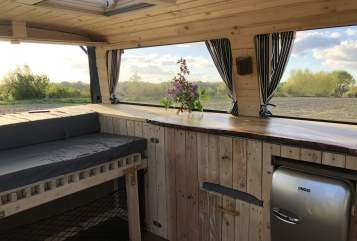Hire a motorhome in Bremen from private owners| VW Blue