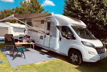 Hire a motorhome in Norderstedt from private owners| LMC  Elmo