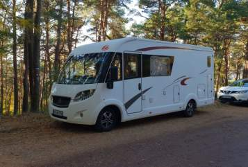 Hire a motorhome in Karlsruhe from private owners| Eura Mobil Abenteuer Freak