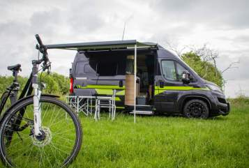 Hire a motorhome in Löwenstedt from private owners| Hymer Poschcamper