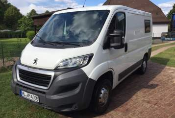 Hire a motorhome in Lübeck from private owners| Peugeot Laika