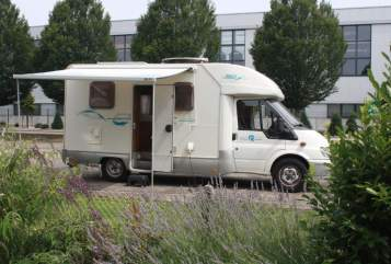 Hire a motorhome in Lengerich from private owners| Ford  My Home 1