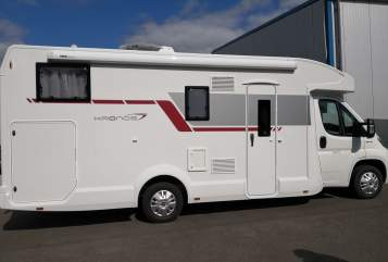 Hire a motorhome in Schmelz from private owners| Roller Team Roadrunner