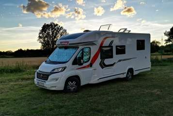 Hire a motorhome in Schramberg from private owners| Challenger Dreamer