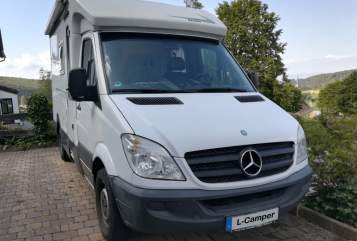 Hire a motorhome in Leipzig from private owners| Mercdes  Bernhard