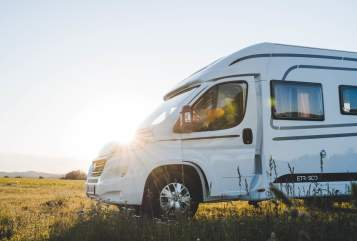 Hire a motorhome in Bisingen from private owners| Etrusco T 7300 SB