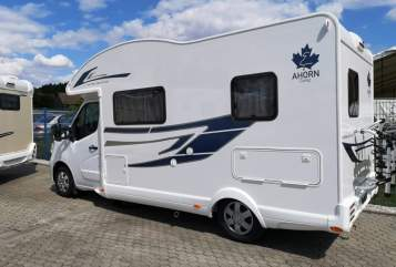 Hire a motorhome in Waakirchen from private owners| Ahorn Susi