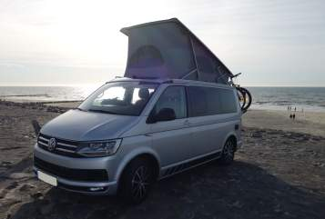 Hire a motorhome in Krefeld from private owners| VW T6 Krokodella