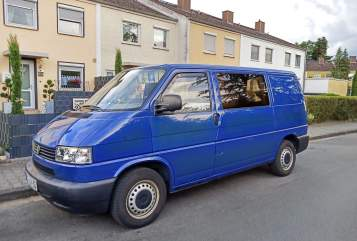 """Hire a motorhome in Frankfurt am Main from private owners
