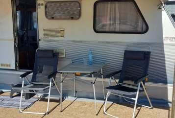 Hire a motorhome in Altenkirchen from private owners| Kip Heni