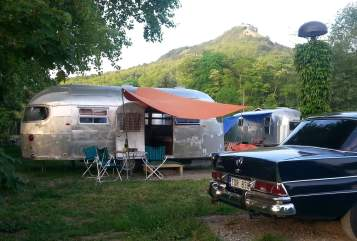 Hire a motorhome in Jena from private owners| Airstream Airstream Alien