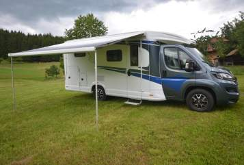 Hire a motorhome in Kleines Wiesental from private owners| Knaus Blaue Elise