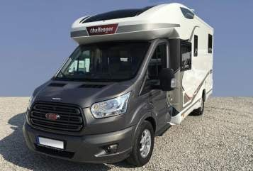 Hire a motorhome in Stolberg from private owners| Challenger Challenger 287