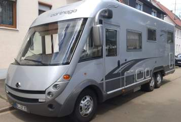 Hire a motorhome in Gerstetten from private owners| CARTHAGO CHIC B20