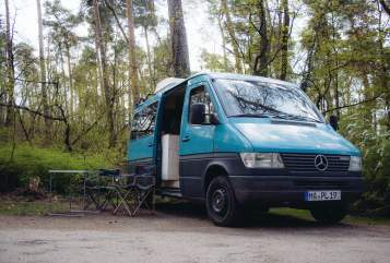 Hire a motorhome in Mannheim from private owners| Mercedes Benz Thomas