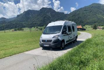 Hire a motorhome in Eschenlohe from private owners| Knaus  Boxi
