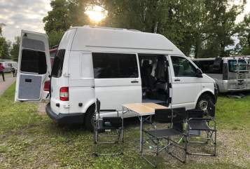 Hire a motorhome in Gröbenzell from private owners| VW Camperglück