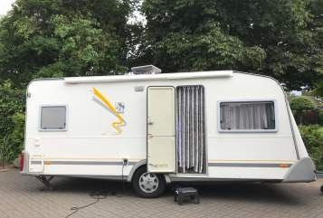 Hire a motorhome in Gettorf from private owners| Knaus Klausknaus
