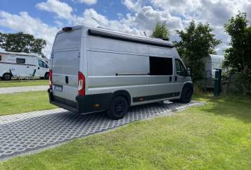 Hire a motorhome in Kalkar from private owners| Peugeot  Boxer