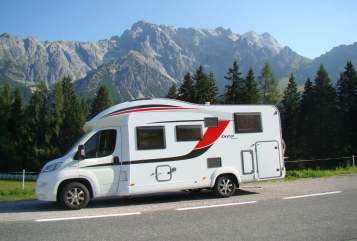 Hire a motorhome in Brandis from private owners| Bürstner Bürstner IXEO TIME