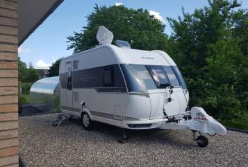 Hire a motorhome in Kalübbe from private owners| Hobby Hobby Deluxe