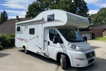 Hire a motorhome in Buchholz in der Nordheide from private owners| Carado Hummelburg
