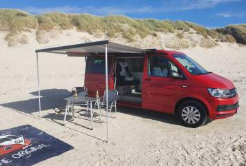 Hire a motorhome in Flensburg from private owners| Vw Red Fred