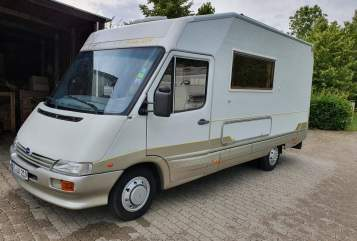 Hire a motorhome in Garching bei München from private owners| Laika Laika