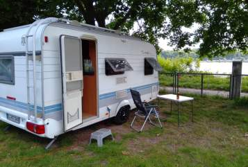 Hire a motorhome in Remscheid from private owners| Hobby RoomForTwo