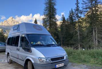 Hire a motorhome in Leipzig from private owners| Ford Friedemann