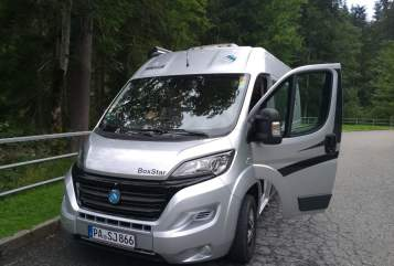 Hire a motorhome in Wegscheid from private owners| Knaus unser Großer