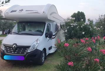 Hire a motorhome in Waghäusel from private owners| Ahorn Susi Sorglos