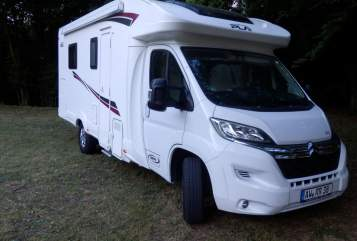 Hire a motorhome in Müllenbach from private owners| PLA Roadrunner