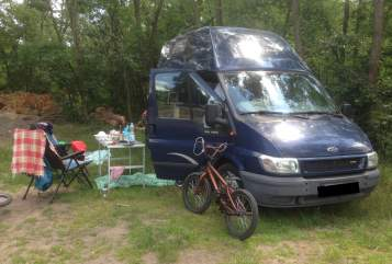 Hire a motorhome in Berlin from private owners  Ford Villa Paulo