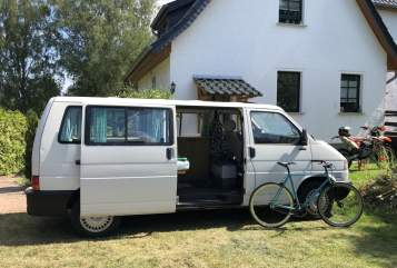 Hire a motorhome in Hamburg from private owners  VW T4 Bus