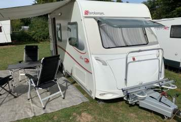 Hire a motorhome in Hamburg from private owners| Sterckeman Willy