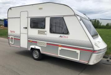 Hire a motorhome in Neuhausen auf den Fildern from private owners| Beyerland Wohnwagen Hubi