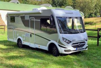 Hire a motorhome in Bad Honnef from private owners| Sunlight Sunny