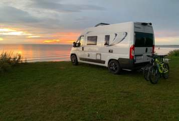 Hire a motorhome in Dortmund from private owners| Chausson Erna