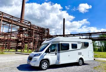 Hire a motorhome in Gelsenkirchen from private owners| Carado Juma-Mobil
