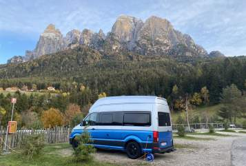 Hire a motorhome in Düsseldorf from private owners| VW Charlie