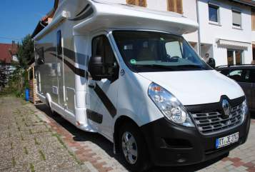 Hire a motorhome in Wannweil from private owners| Ahorn Roadrunner