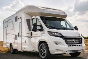 "Hire a motorhome in Oberhausen from private owners| Eura Mobil ""Supreme"""