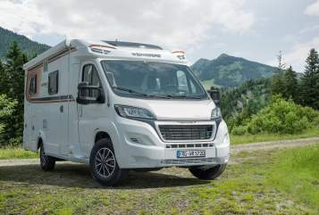 Hire a motorhome in Braunschweig from private owners| Weinsberg Camp4life2