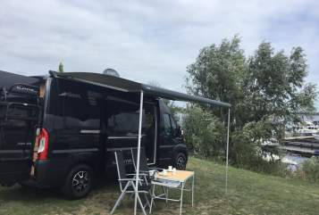Hire a motorhome in Krefeld from private owners| Pössl Summy